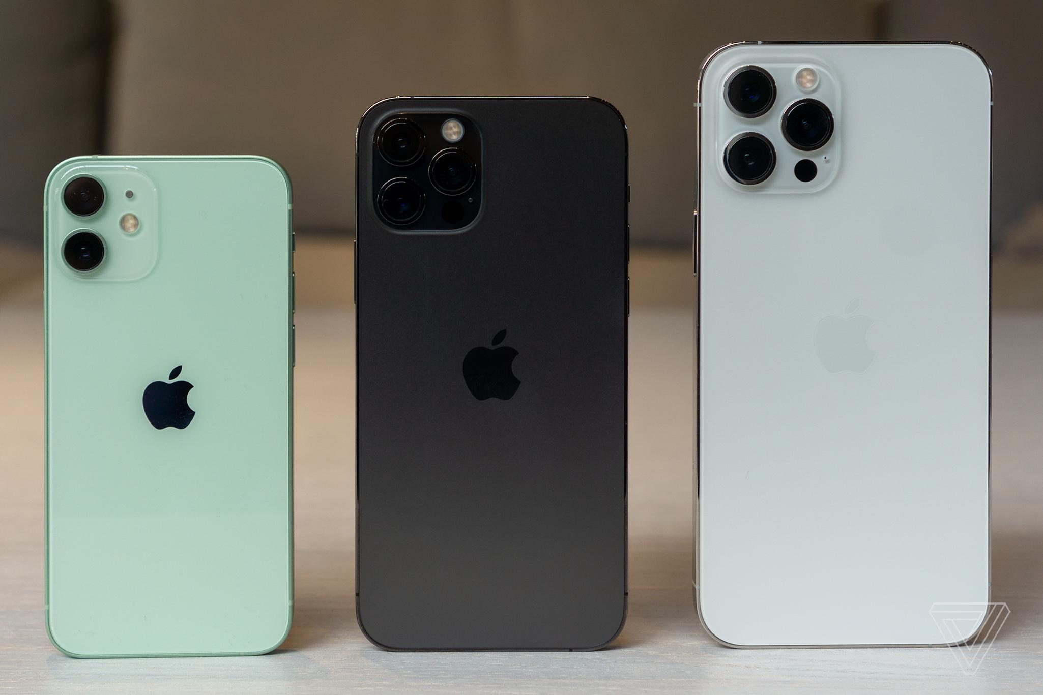 iphone 12 i iphone 12 mini